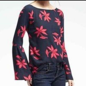 NWT Size M Banana Republic navy red floral top